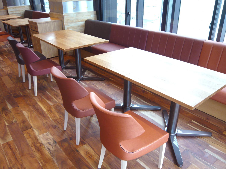 #028 AIREN 心斎橋店 booth no.3 『Sofa Booth + Oak Table』